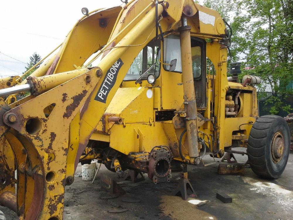 Detail photo of 1987 Pettibone CARY LIFT 204E from Construction Equipment Guide