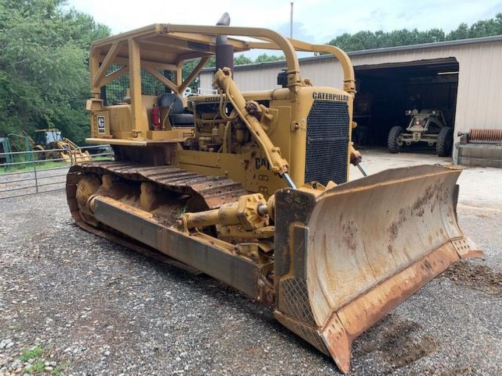 Detail photo of 1972 Caterpillar D8H from Construction Equipment Guide