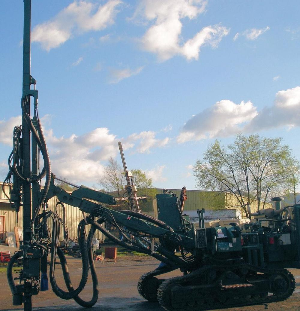Detail photo of 2005 Caterpillar MD5090 from Construction Equipment Guide