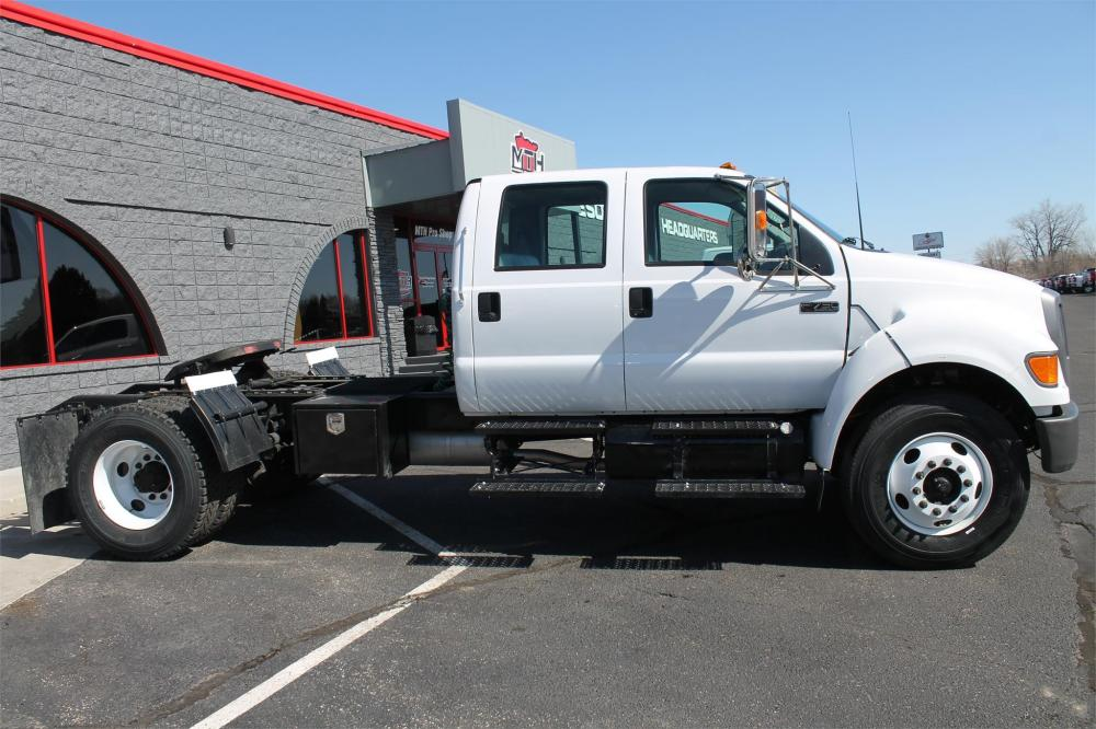 Detail photo of 2006 Ford F750 XL SD from Construction Equipment Guide
