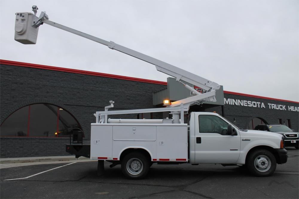 Detail photo of 2006 Altec AT200 from Construction Equipment Guide