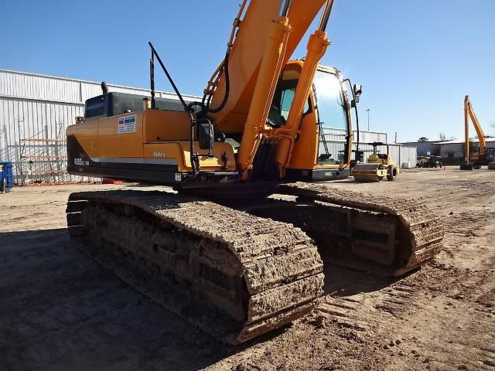 Detail photo of 2016 Hyundai ROBEX 480 LC-9 from Construction Equipment Guide