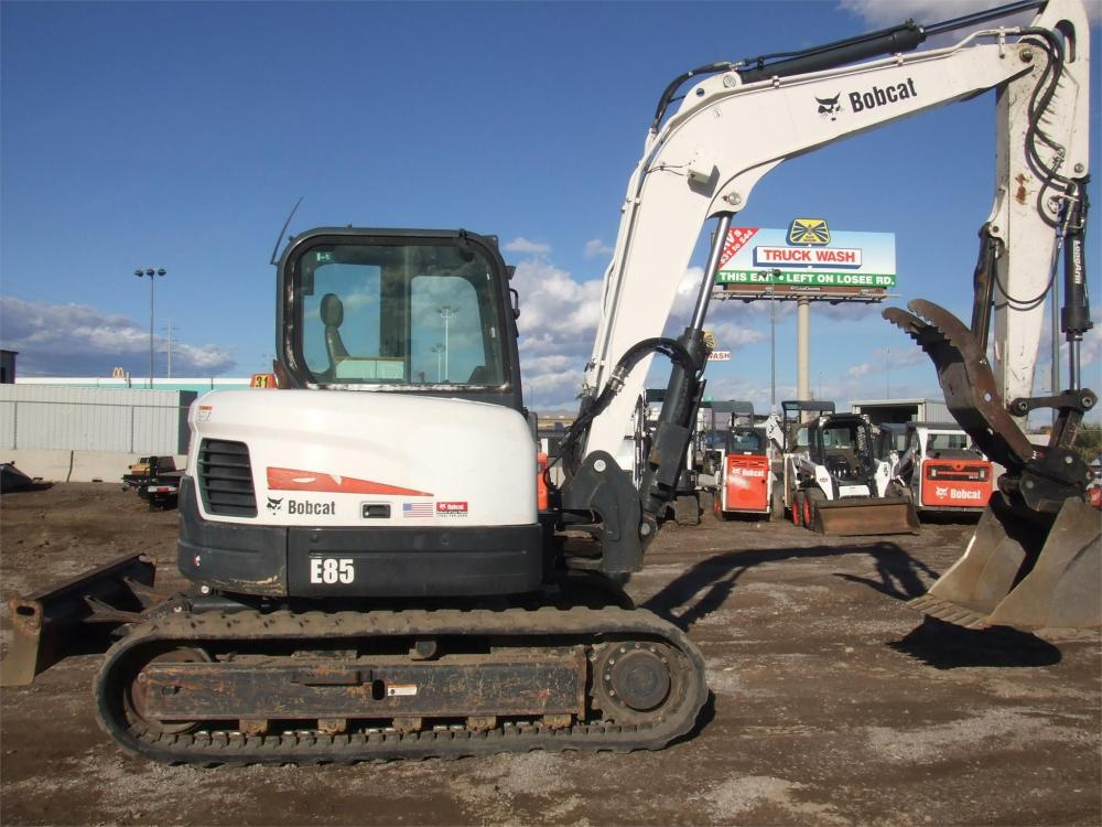 Detail photo of 2013 Bobcat E85 from Construction Equipment Guide