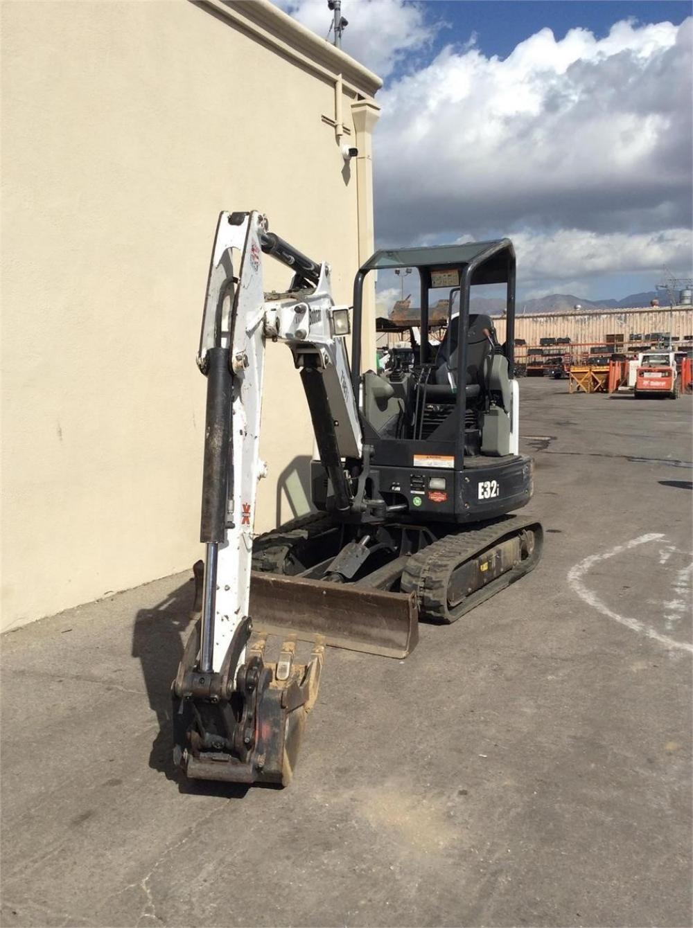 Detail photo of 2015 Bobcat E32I from Construction Equipment Guide