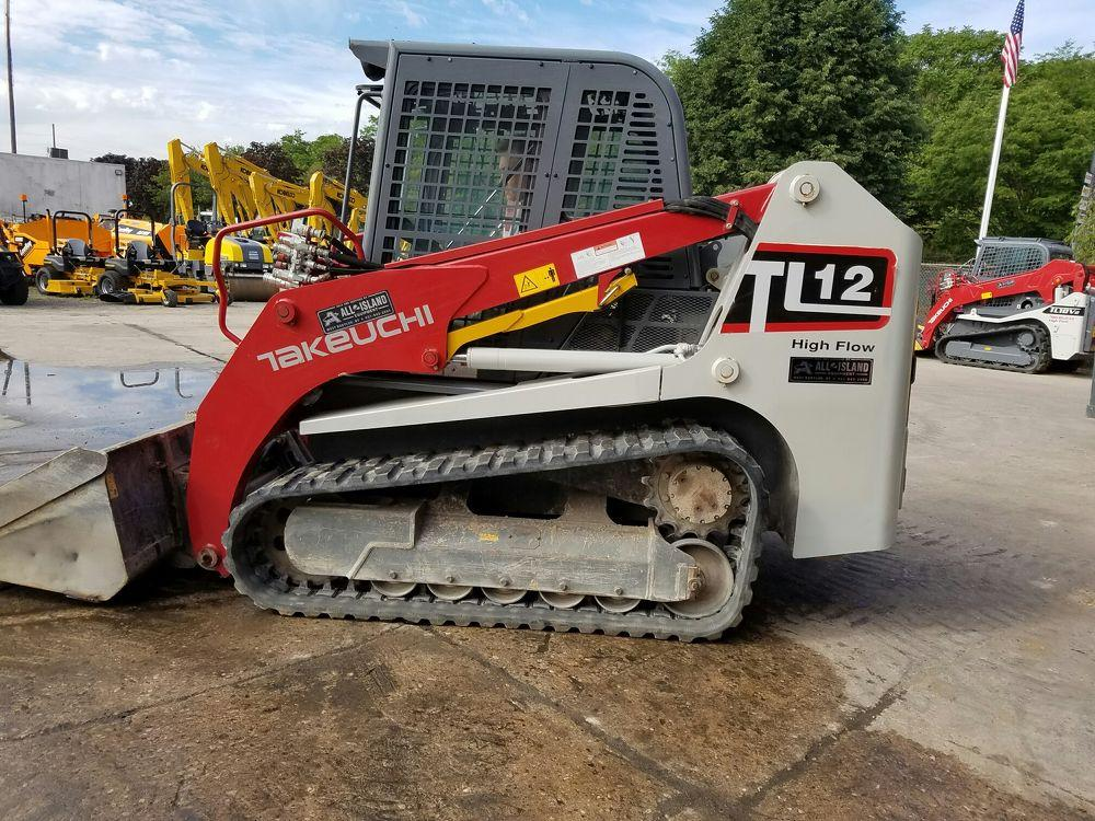 Detail photo of 2015 Takeuchi TL12 from Construction Equipment Guide