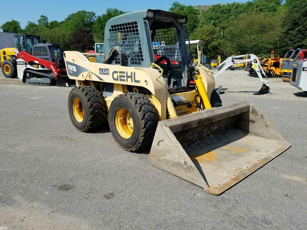 Detail photo of 2008 Gehl 7810E from Construction Equipment Guide