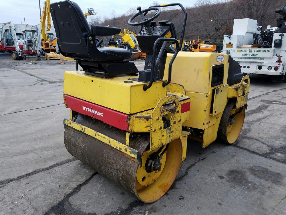 Detail photo of 2001 Dynapac CC122 from Construction Equipment Guide
