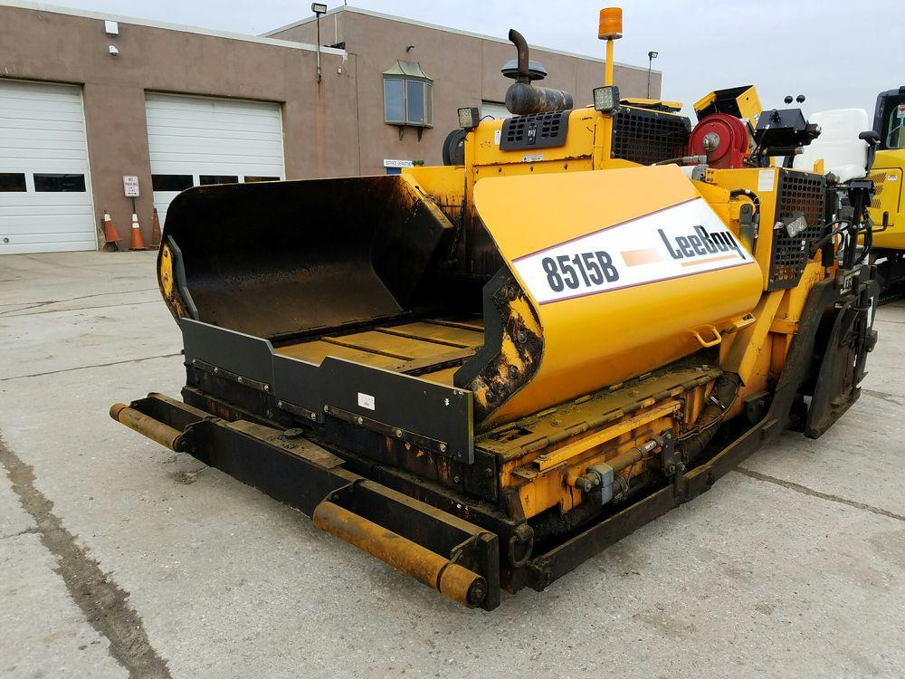 Detail photo of 2011 LeeBoy 8515B from Construction Equipment Guide