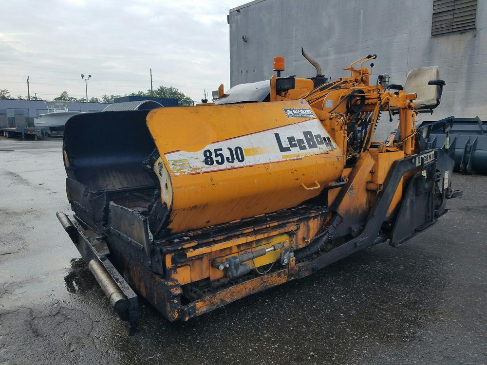 Detail photo of 2008 LeeBoy 8500 from Construction Equipment Guide