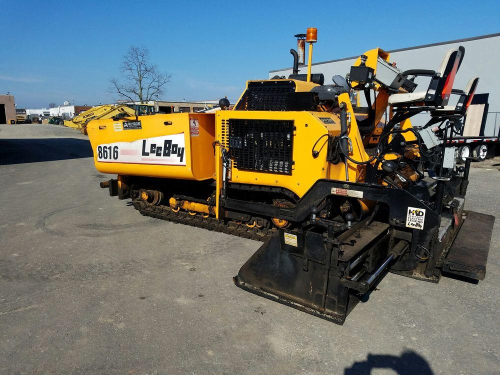 Detail photo of 2012 LeeBoy 8616 from Construction Equipment Guide