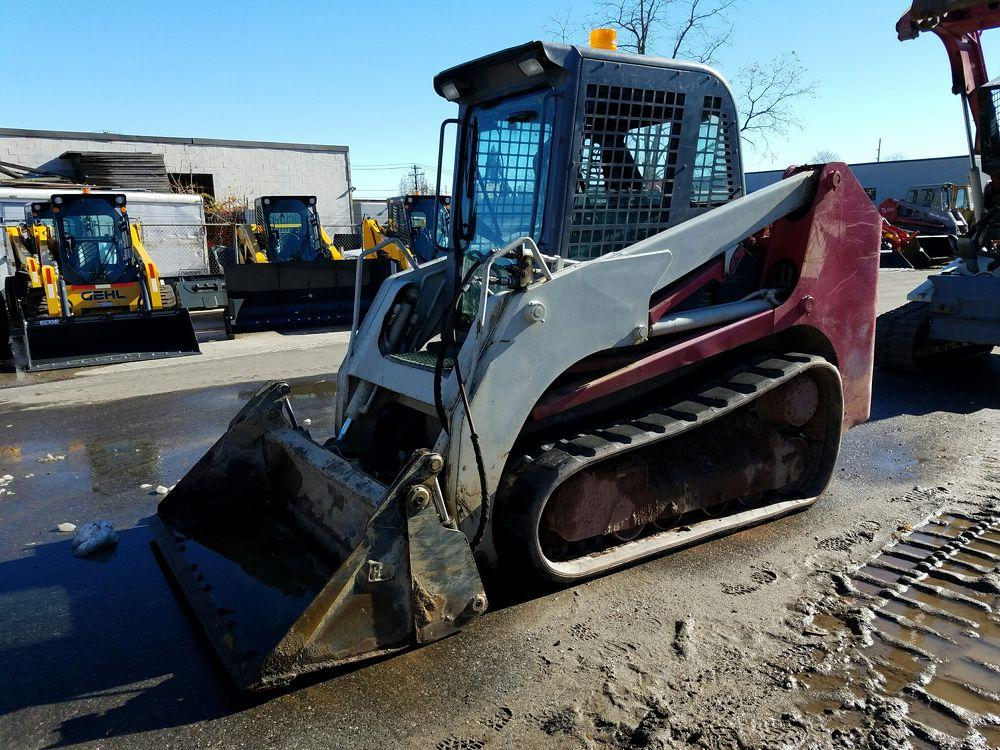 Detail photo of 2006 Takeuchi TL140C from Construction Equipment Guide