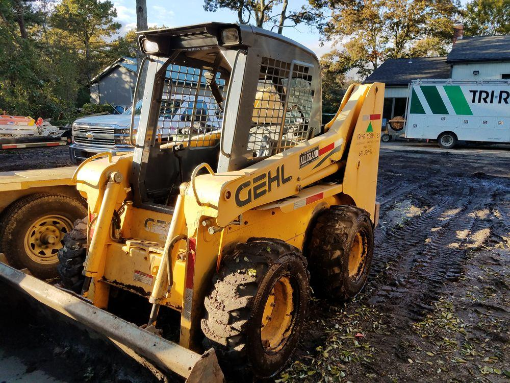 Detail photo of 2005 Gehl 6640 from Construction Equipment Guide