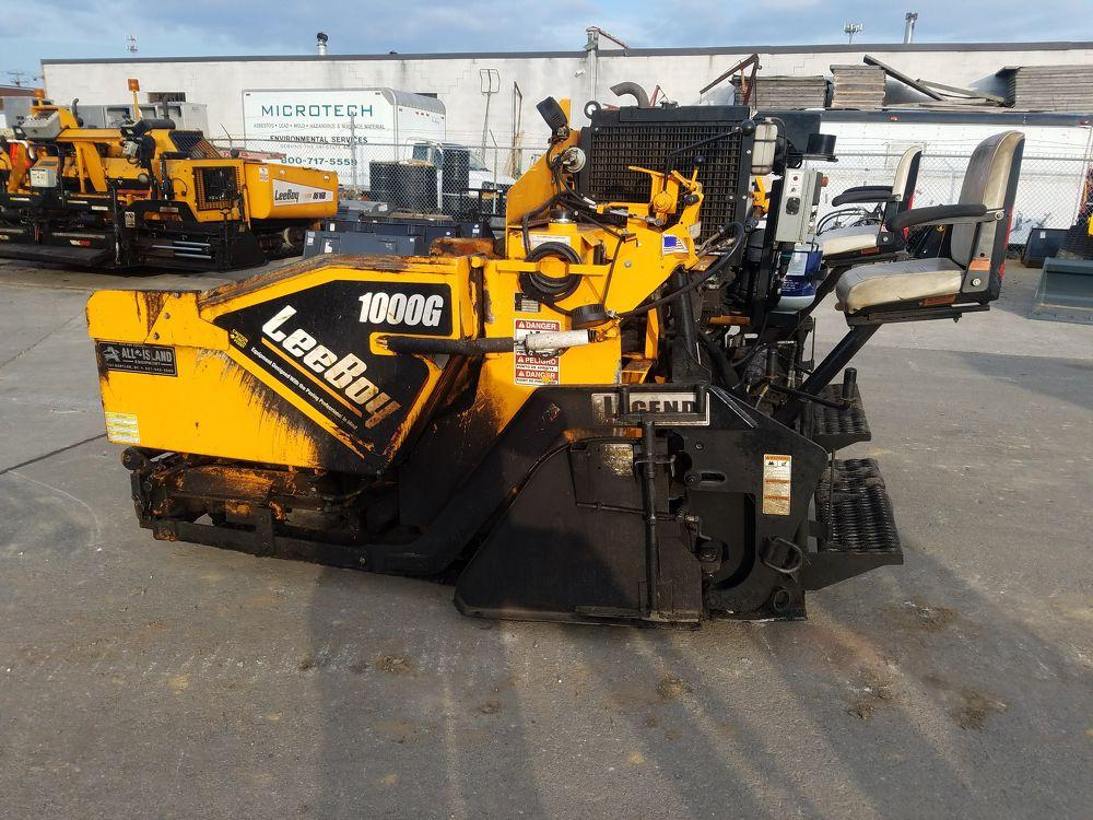 Detail photo of 2016 LeeBoy 1000G from Construction Equipment Guide