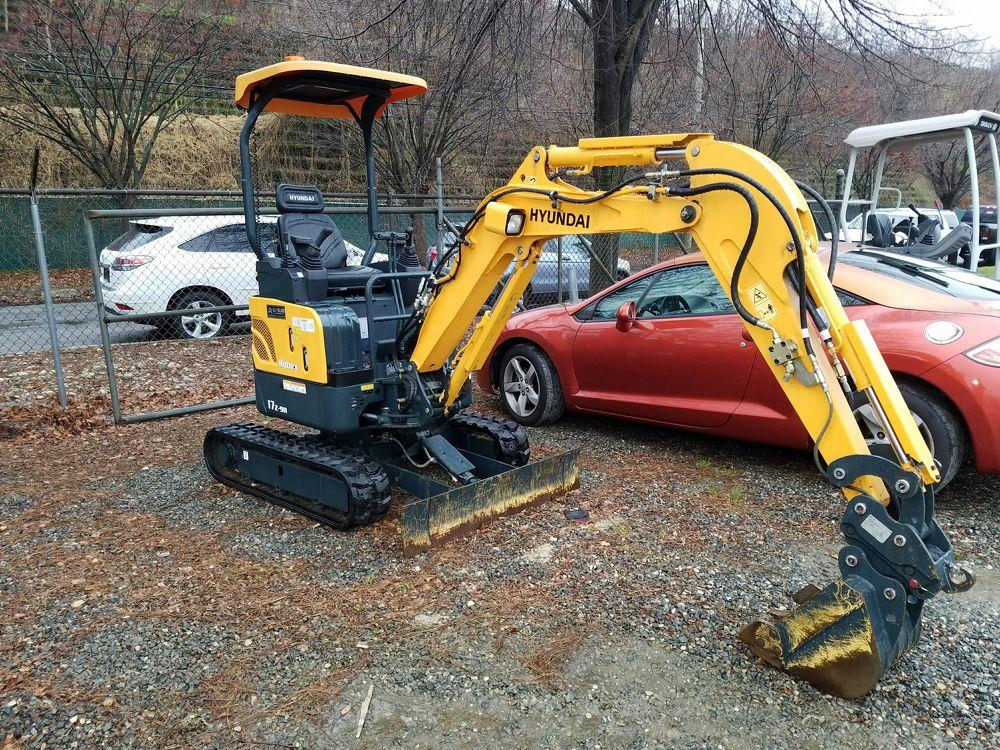 Detail photo of 2017 Hyundai ROBEX 17Z-9A from Construction Equipment Guide