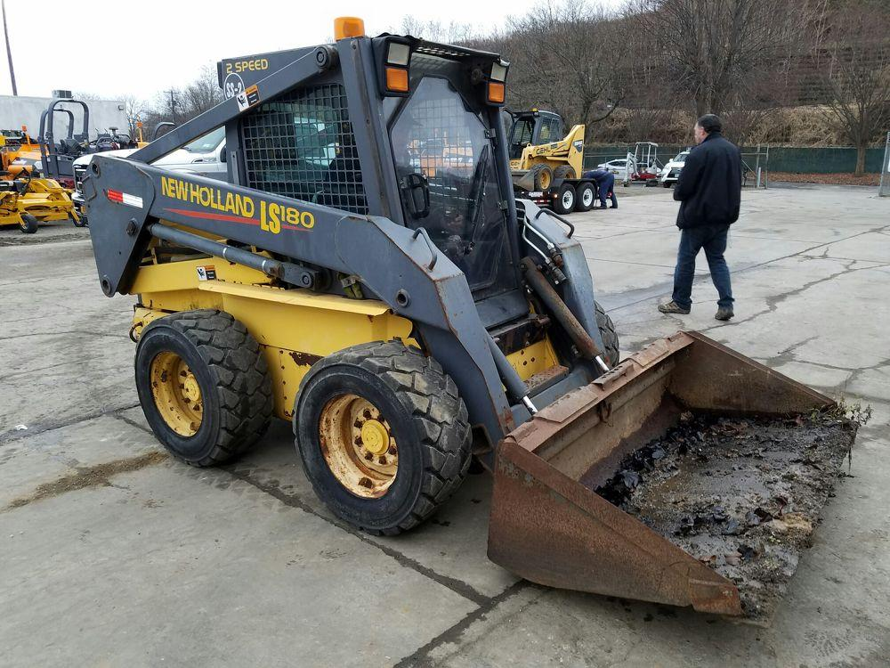 Detail photo of 0 New Holland LS180 from Construction Equipment Guide