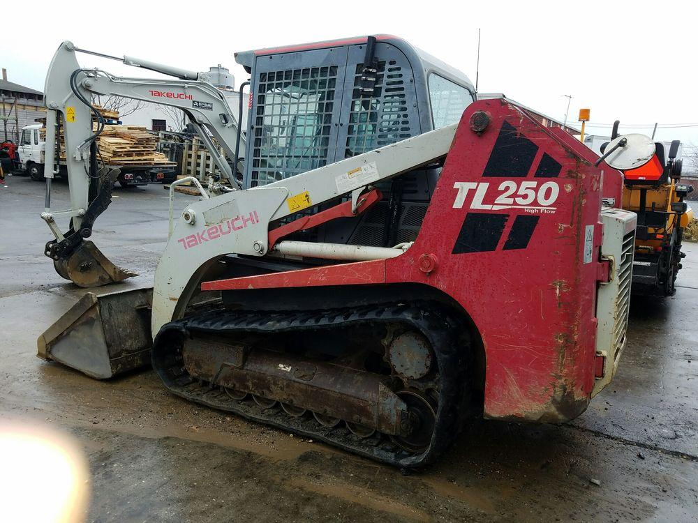 Detail photo of 2010 Takeuchi TL250C from Construction Equipment Guide