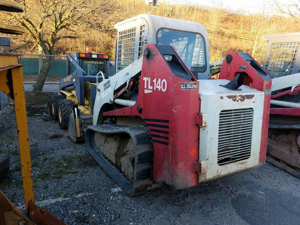Detail photo of 2005 Takeuchi TL140C from Construction Equipment Guide