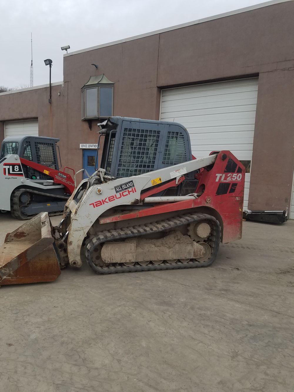 Detail photo of 2011 Takeuchi TL250 from Construction Equipment Guide