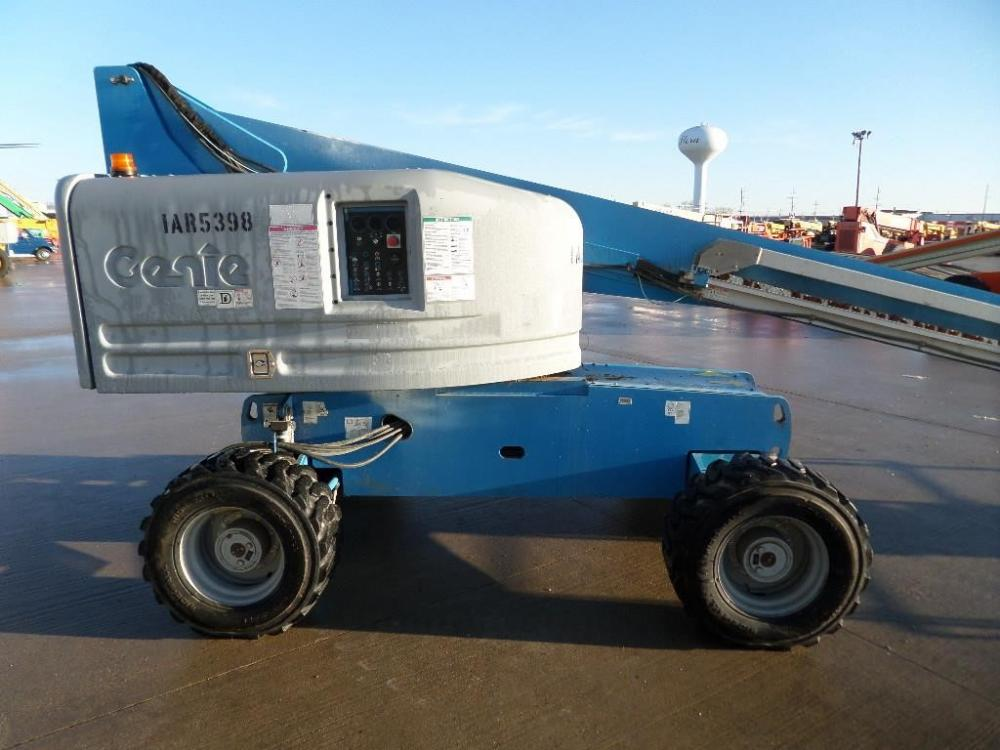 Detail photo of 2011 Genie S-45 from Construction Equipment Guide