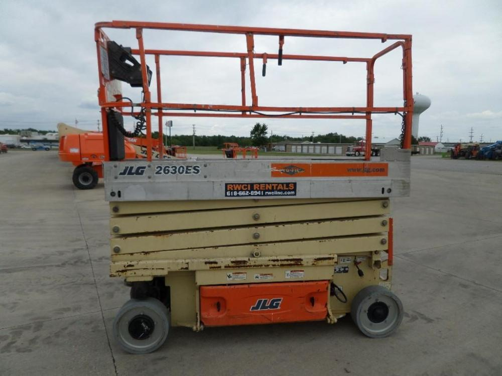 Detail photo of 2008 JLG 2630ES from Construction Equipment Guide