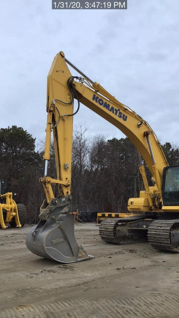 Detail photo of 2019 Komatsu PC390LC-11 from Construction Equipment Guide