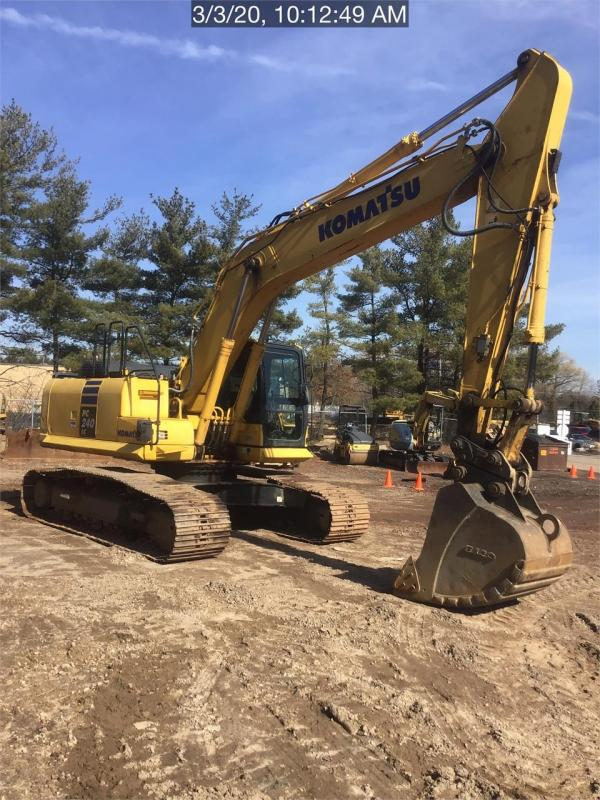 Detail photo of 2013 Komatsu PC240LC-10 from Construction Equipment Guide