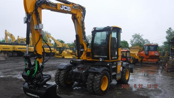 Detail photo of 2017 JCB HYDRADIG 110W from Construction Equipment Guide
