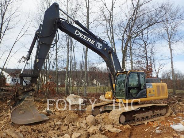 Detail photo of 2014 John Deere 250G from Construction Equipment Guide