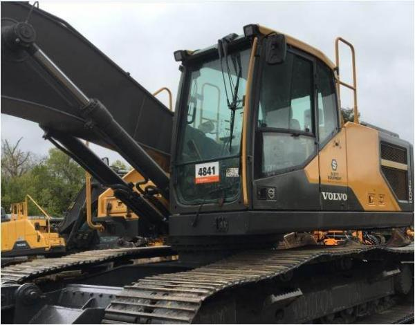 Detail photo of 2015 Volvo EC250E LR from Construction Equipment Guide