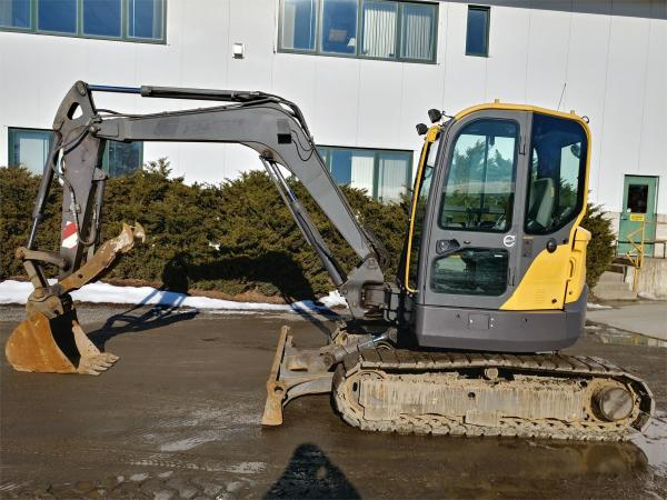 Detail photo of 2015 Volvo ECR58D from Construction Equipment Guide