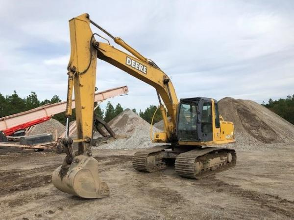 Detail photo of 2006 John Deere 160C LC from Construction Equipment Guide