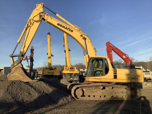 Detail photo of 2000 Komatsu PC300LC-6 from Construction Equipment Guide