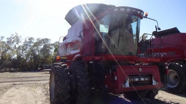Detail photo of 2011 Case IH 7088 from Construction Equipment Guide
