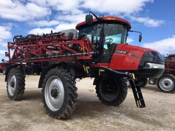 Detail photo of 2018 Case IH PATRIOT 4440 from Construction Equipment Guide