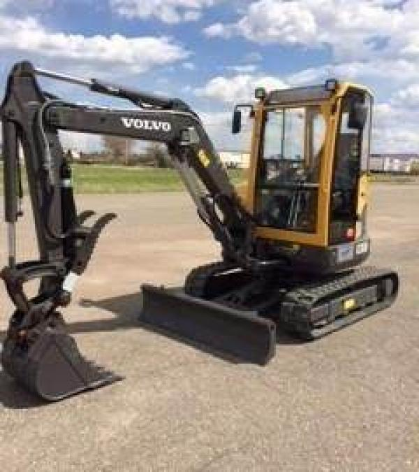 Detail photo of 2014 Volvo ECR38 from Construction Equipment Guide