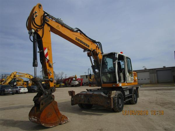 Detail photo of 2015 Liebherr A900C LITRONIC from Construction Equipment Guide
