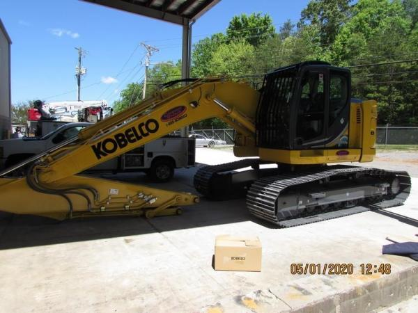 Detail photo of 2020 Kobelco SK230SR LC-5 from Construction Equipment Guide