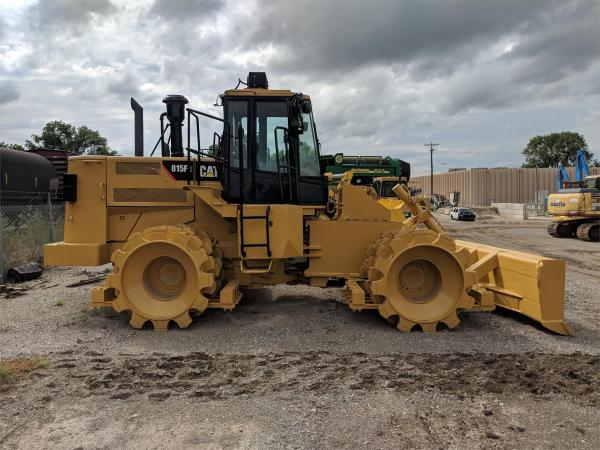 Detail photo of 2009 Caterpillar 815F II from Construction Equipment Guide