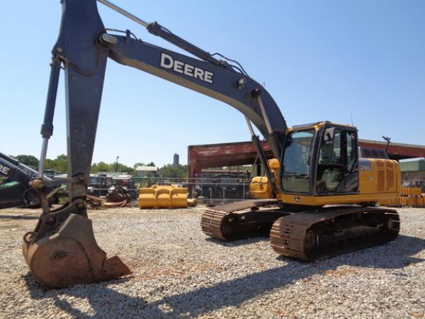 Detail photo of 2015 John Deere 210G LC from Construction Equipment Guide