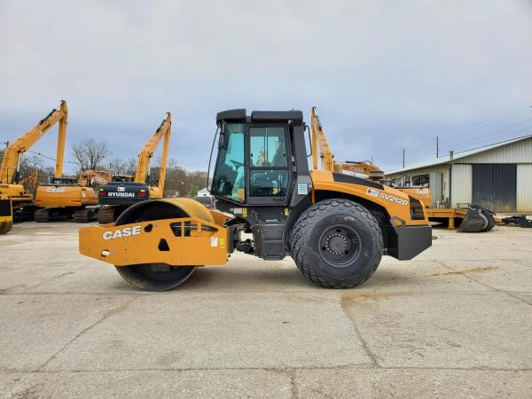 Detail photo of 2019 Case SV212D from Construction Equipment Guide