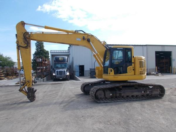 Detail photo of 2016 Komatsu PC228USLC-10 from Construction Equipment Guide