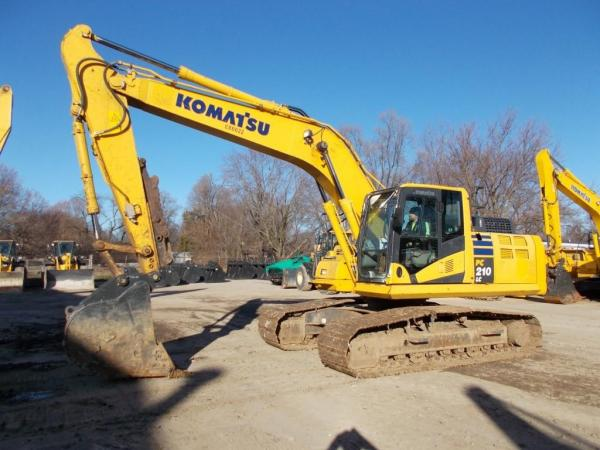 Detail photo of 2017 Komatsu PC210LC-11 from Construction Equipment Guide