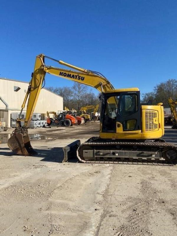 Detail photo of 2016 Komatsu PC138USLC-11 from Construction Equipment Guide