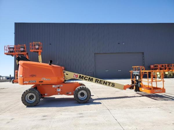 Detail photo of 2019 JLG 400S from Construction Equipment Guide