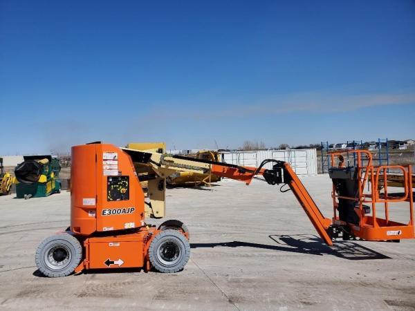 Detail photo of 2020 JLG E300AJP from Construction Equipment Guide