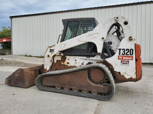 Detail photo of 2008 Bobcat T320 from Construction Equipment Guide