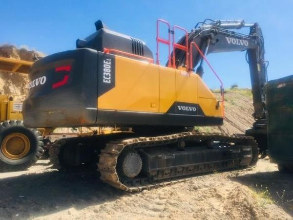 Detail photo of 2017 Volvo EC380EL from Construction Equipment Guide