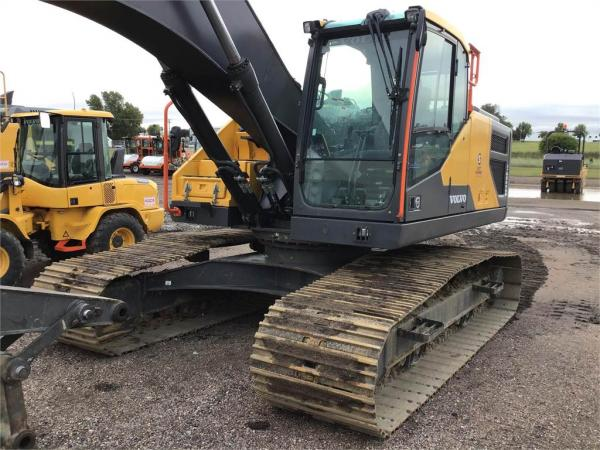 Detail photo of 2018 Volvo EC250E LR from Construction Equipment Guide