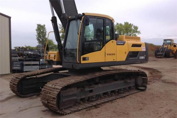 Detail photo of 2012 Volvo EC300D LR from Construction Equipment Guide