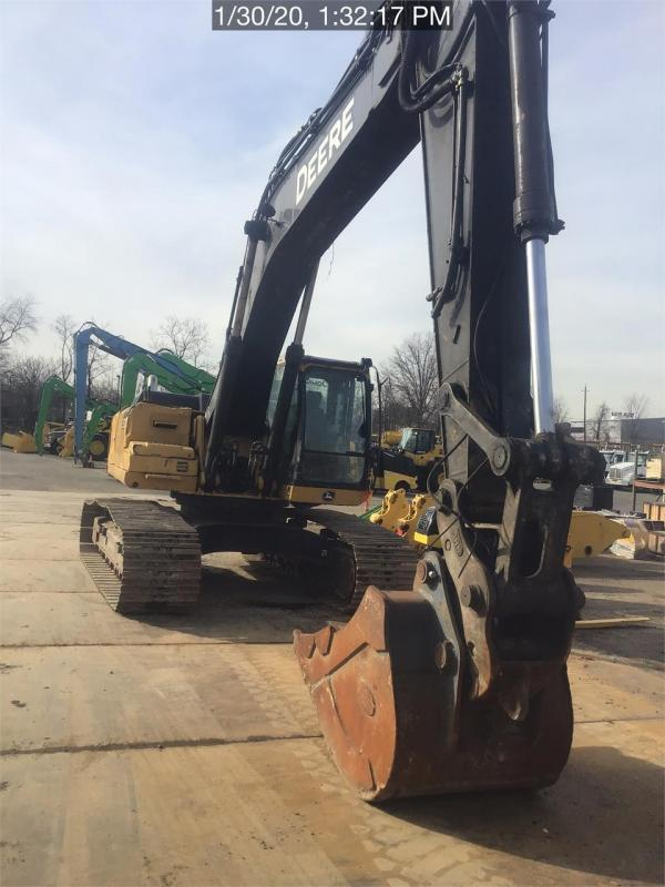 Detail photo of 2014 John Deere 350G LC from Construction Equipment Guide